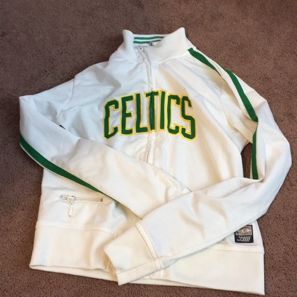 best website 1e0b4 faf18 Vintage Celtics sweatshirt